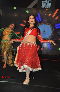 Bollywood Actress Model Sunny Leone Dance Performance in Red Half Saree at Rogue Audio Launch 13 March 2017  0102.jpg