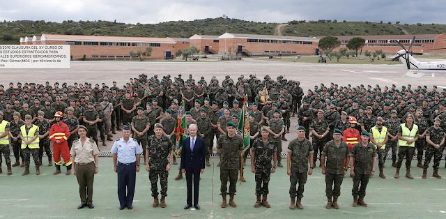 El Ministro de Defensa visita Unidades del Ejército de Tierra en Barcelona y San Clemente de Sasebas