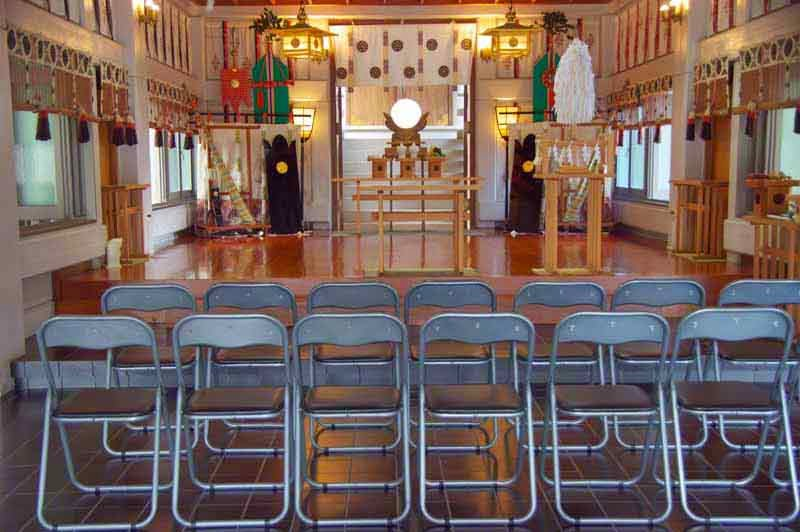 inside view, Gokoku Shrine