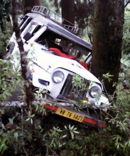Mungpoo Vehicle accident near jorebungalow gaddiline