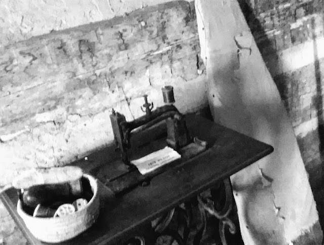 metamora herald lee cabin sewing machine