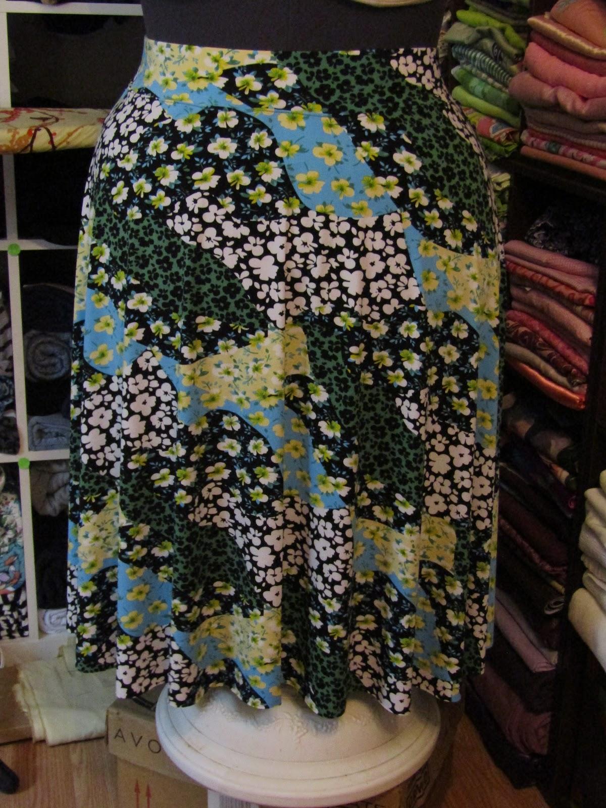 Sew Plus: Daisy Print ITY Knit Circle Skirt