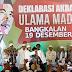 Jokowi Terima Sorban dari Para Ulama Madura