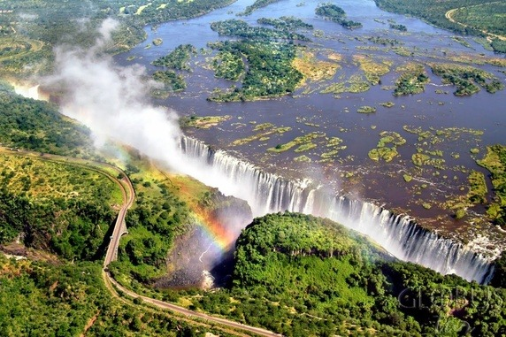Victoria falls, largest curtain of falling water in Zambia & Zimbabwe