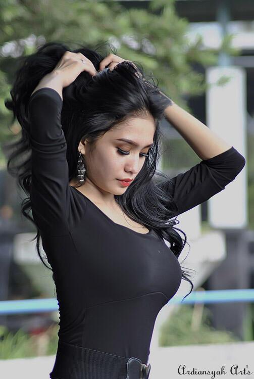 Image Result For Sexy Hot Roro Fitria