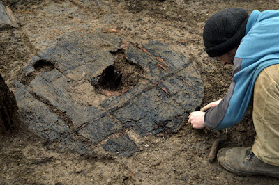 Complete Bronze Age wheel found at Must Farm