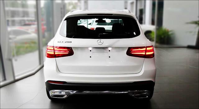 Đuôi xe Mercedes GLC 200 2019 thiết kế lôi cuốn với các đường cong mềm mại