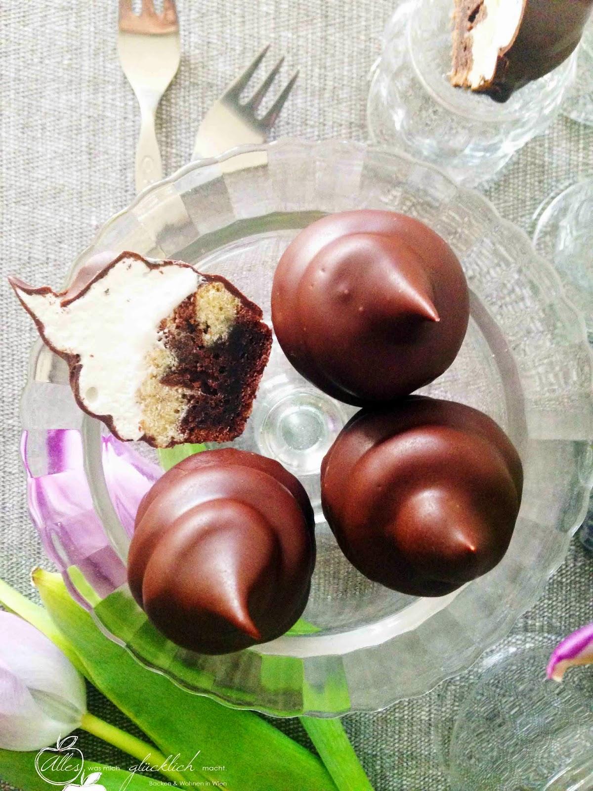 Dekadente Mini Marmormuffins mit Schaumkrone und Schokoladenglasur
