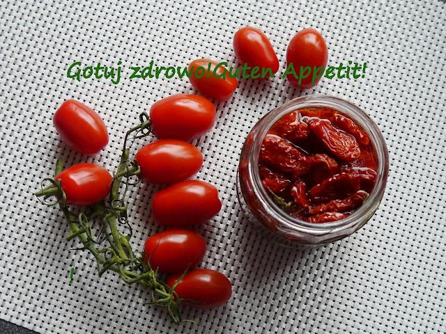 Suszone pomidory w oleju z rozmarynem i oregano - Czytaj więcej »