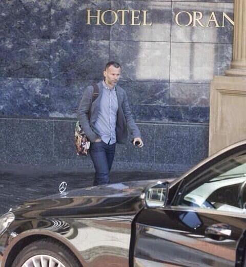 Ryan Giggs in Holland to meet Louis Van Gaal