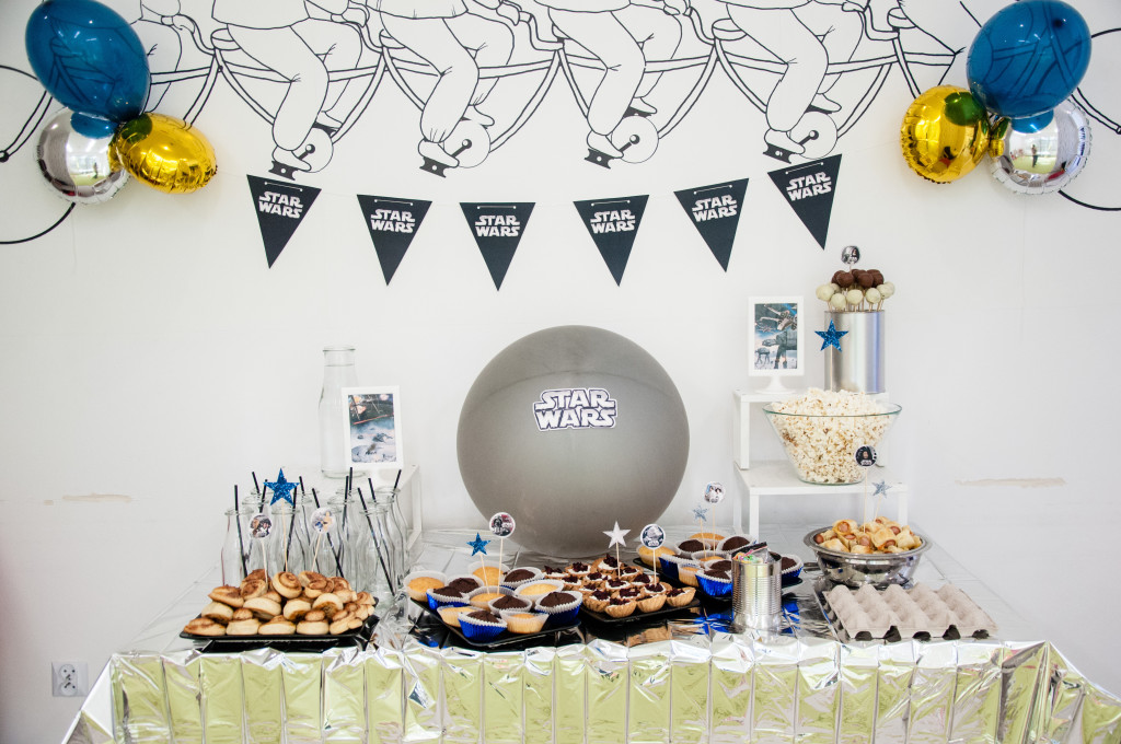 Jak przygotować tematyczne przyjęcie urodzinowe i gdzie szukać inspiracji?