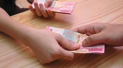 { Mendapat Uang 100 Ribu Di Jalan Tapi Tidak Mengumumkannya }