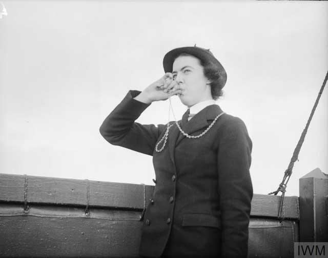 Wren Bosun at Dundee, 10 January 1942 worldwartwo.filminspector.com