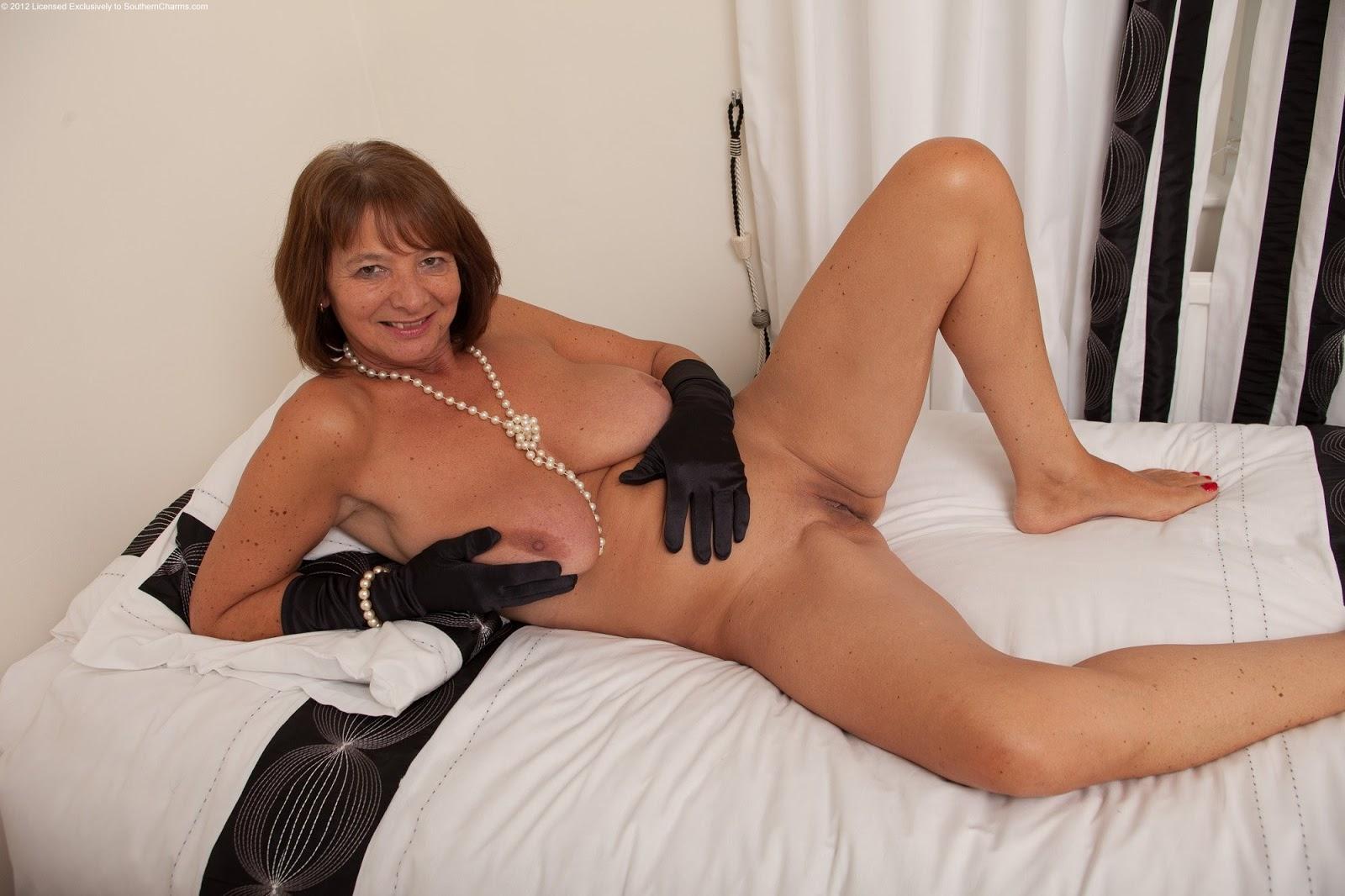women getting it hard nude