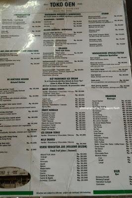 Foto Daftar menu di Toko Oen.