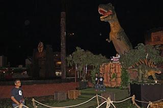 taman dinosaurus Trans studio theme park