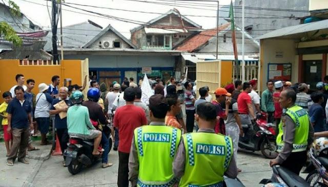 Daun Palma Mengganggu Keimanan Muslim, Warga Geruduk Gereja Paroki Kampung Duri