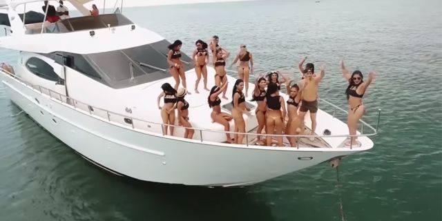 """Những bí mật về """"đảo sex"""" chuyên phục vụ khách du lịch ảnh 2"""