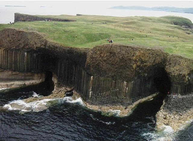 Gruta de Fingal – Escócia