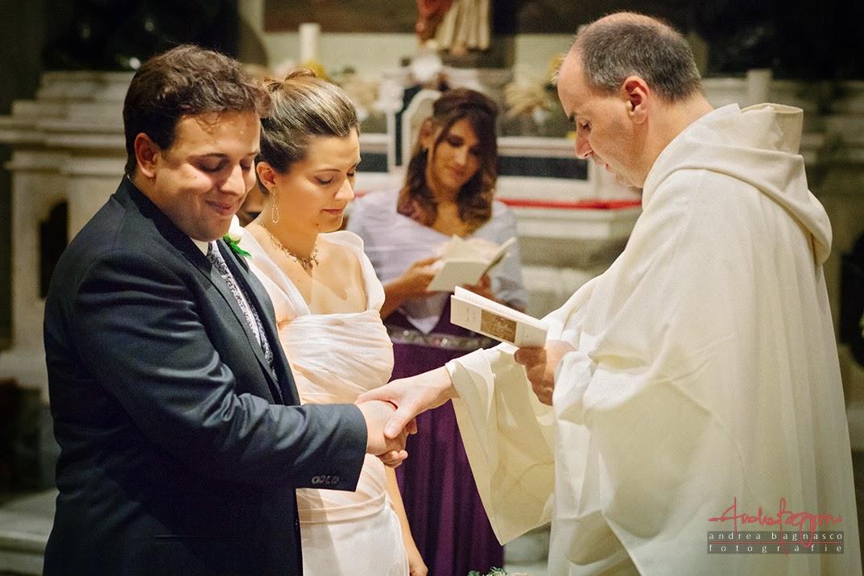 sposi all'altare matrimonio Genova Quarto