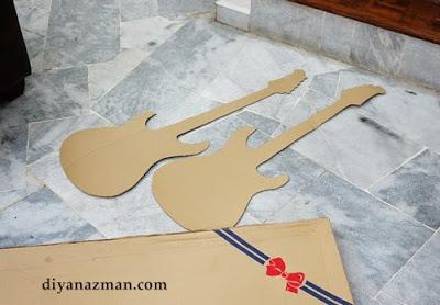 Como hacer una guitarra de cartón eléctrica DIY