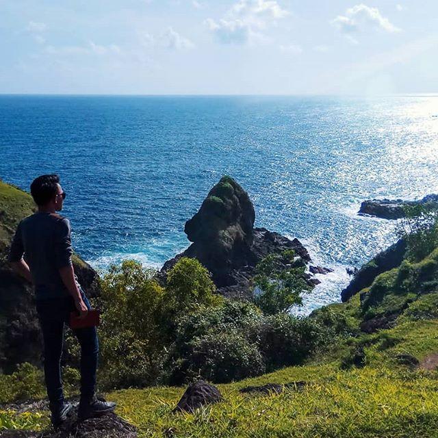 Wisata Bukit Pengilon di Girisubo Gunung Kidul Yogyakarta