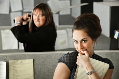 5 Tipe Teman Kantor yang Wajib Anda Waspadai
