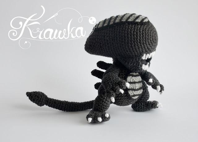 Alien xenomorph crochet pattern by Krawka - best geek pattern ever!, alien franchise, predator, prometheus, facehugger, chestburster, ridley scott inspired