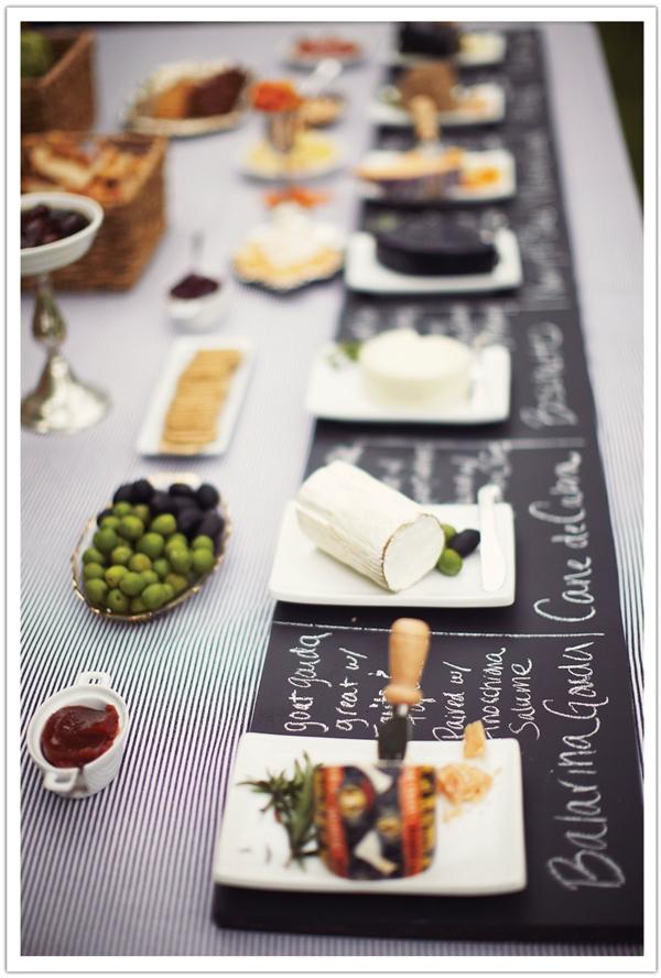 mesa queijos vinhos