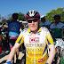 El homenaje a un ciclista en activo con ¡87 años!
