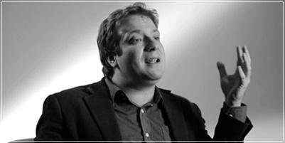 vídeo do escritor e professor Flávio Ricardo Vassoler