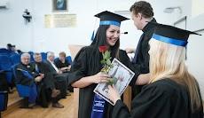 Tips Meniti Karier Bagi Fresh Graduate yang Baru Lulus