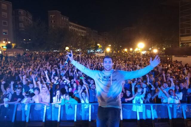 Noche de DJ en el parque de los Hermanos