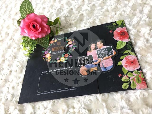 Contoh undangan pernikahan softcover mary dan yudha