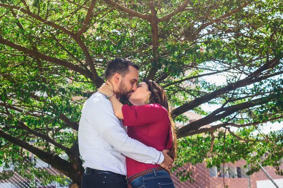 Fotógrafo profesional de prebodas, bodas y familias en medellín