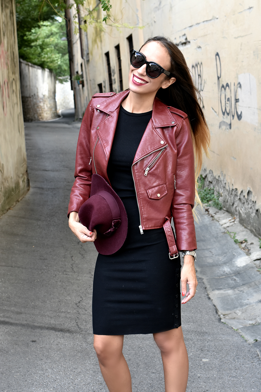 outfit nero burgundy