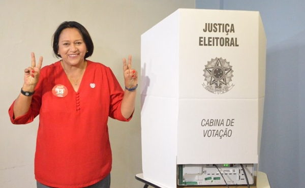 Fátima Bezerra formaliza renúncia no Senado para assumir Governo do RN