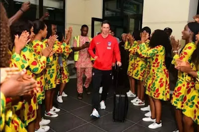 Atletico Madrid players arrives in Nigeria ahead match with super eagles. See the warming welcome they received from Nigerian ladies (photos)
