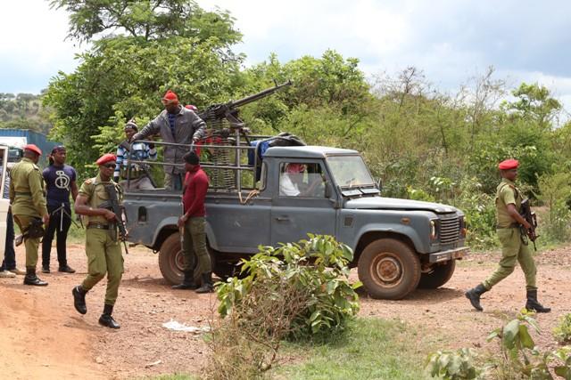 Polisi Kagera Waua Washukiwa Watatu wa Ujambazi, Wakamata Silaha -Biharamulo.