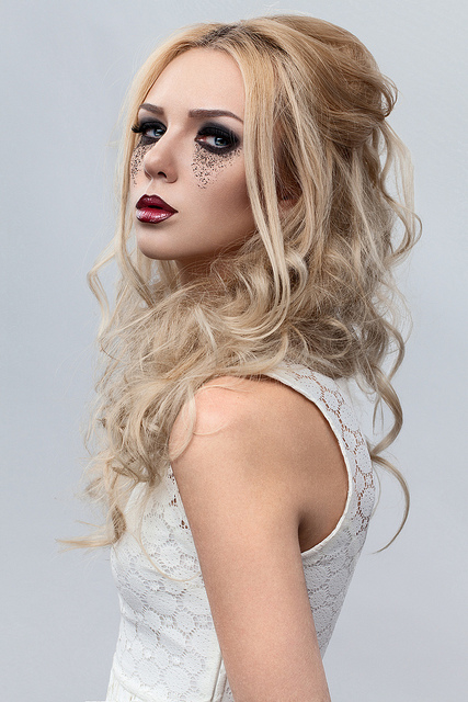 HAIRCUTS FOR LONG FACES: Wedding hairstyles long hair