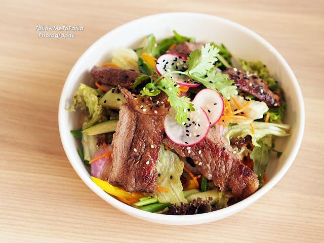 Oriental Grilled Ribeye Salad RM 24
