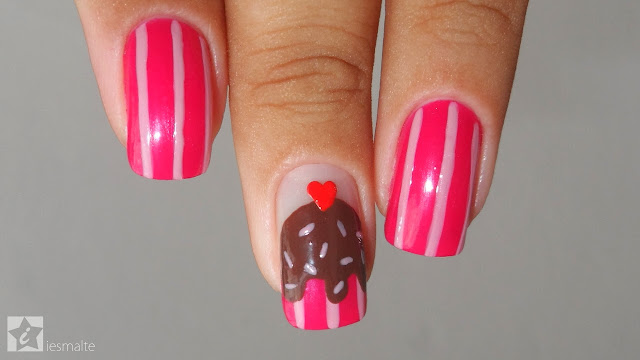 Unhas Decoradas - Cupcake de Chocolate
