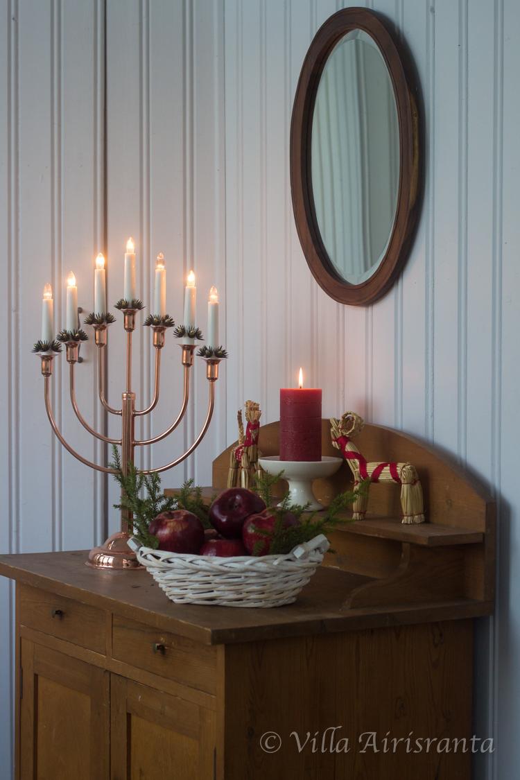 kuisti, joulu, maalaisromanttinen sisustus, vanha komuutti, joulutunnelmia