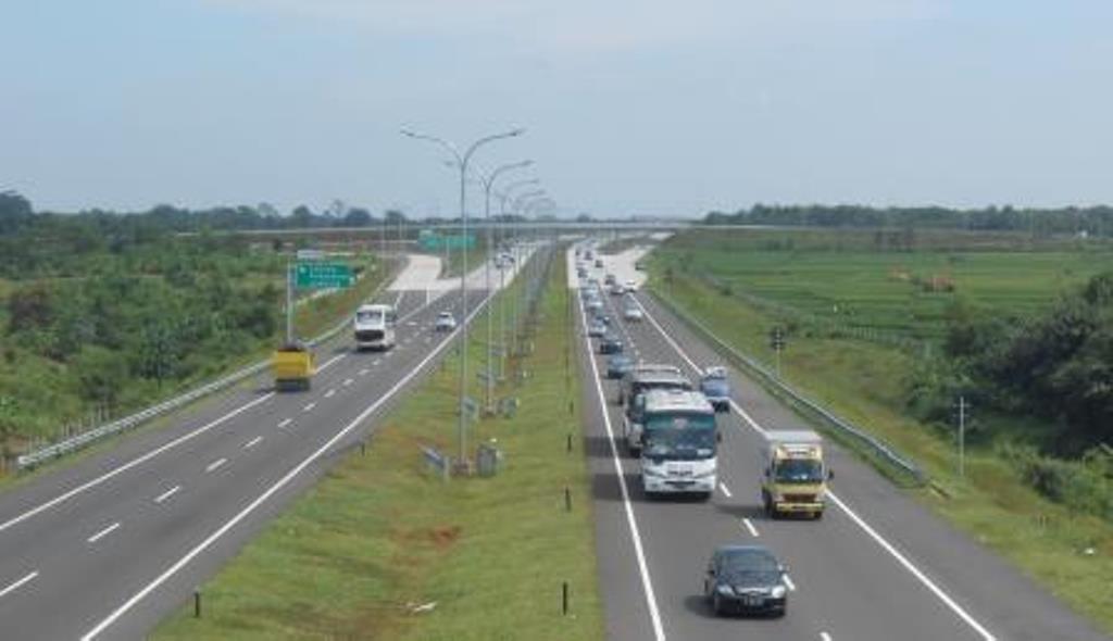 Sempat Macet di KM 107 Wilayah Subang. Arus Lalin di Cipali Kembali Lancar