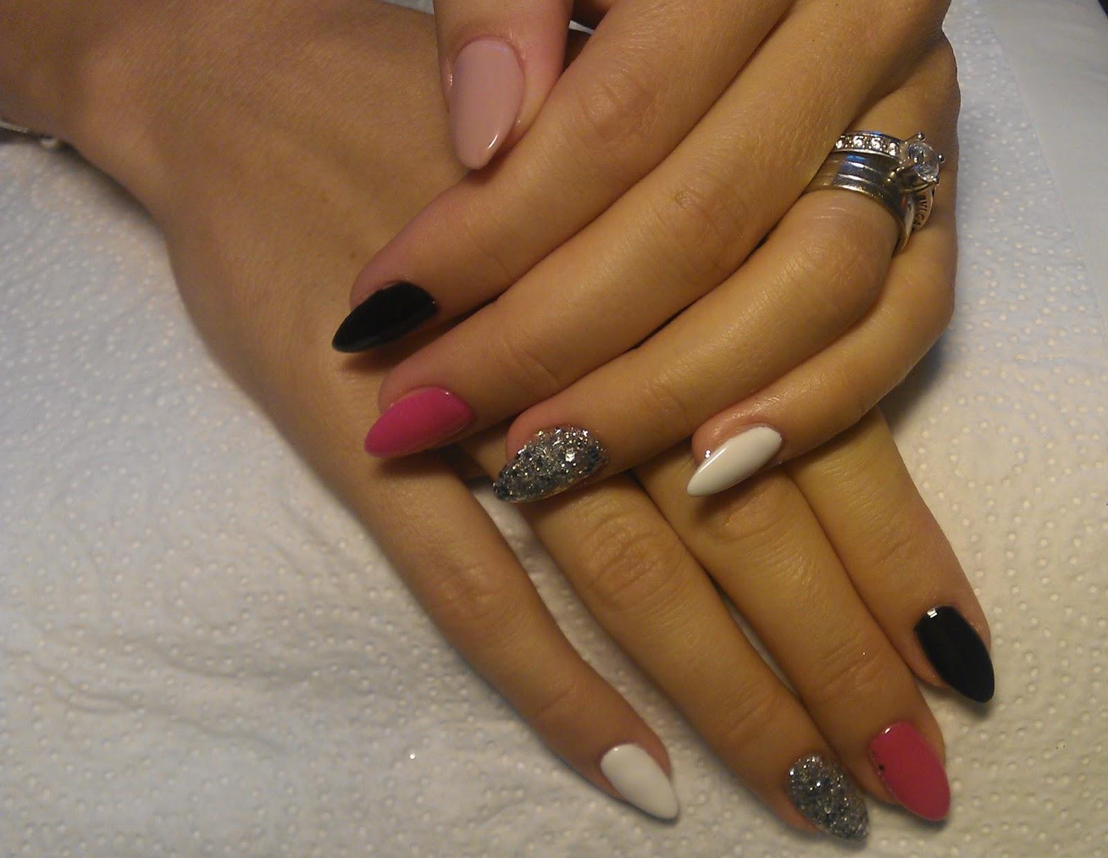 Nails Helenne Style Unghii Stiletto