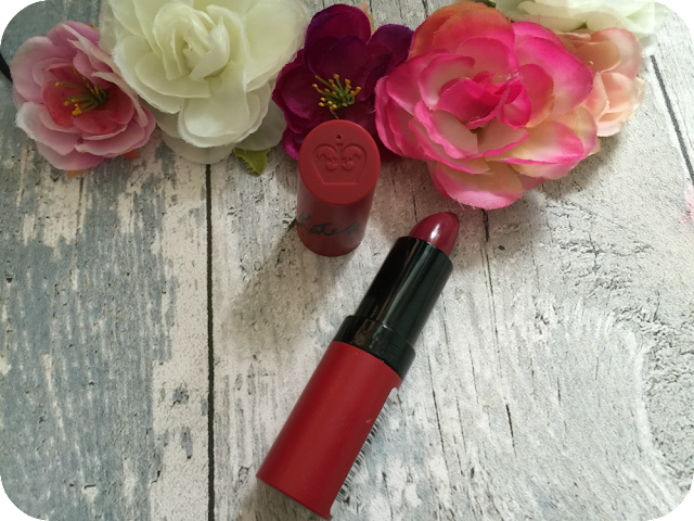 rimmel lasting finish kate lipstick in 107 review