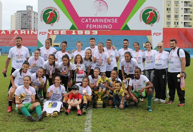 Kindermann é campeão invicto do Catarinense Feminino