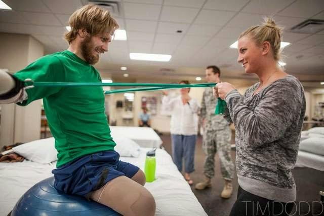 Kisah Cinta seorang militer yang mengharukan