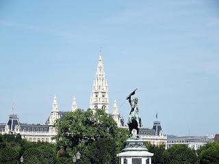 Piaţa Eroilor - Statuia Arhiducelui Karl