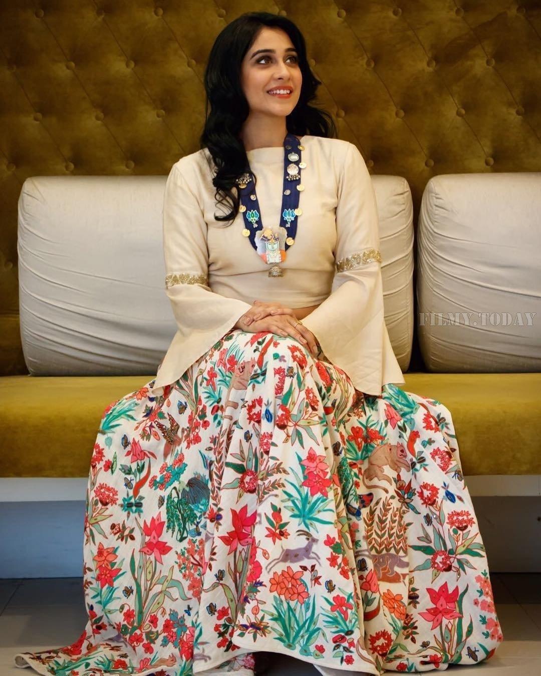 HD Photos & Wallpapers of Mr. Chandramouli HOT & Sexy actress Regina Cassandra